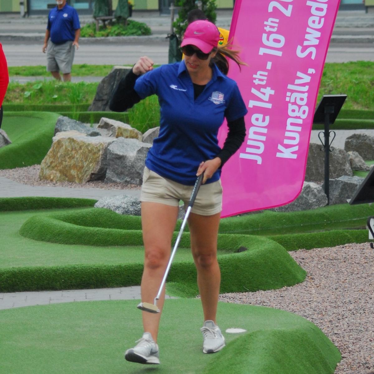 Mini Golf Queen | Smile  It's Contagious